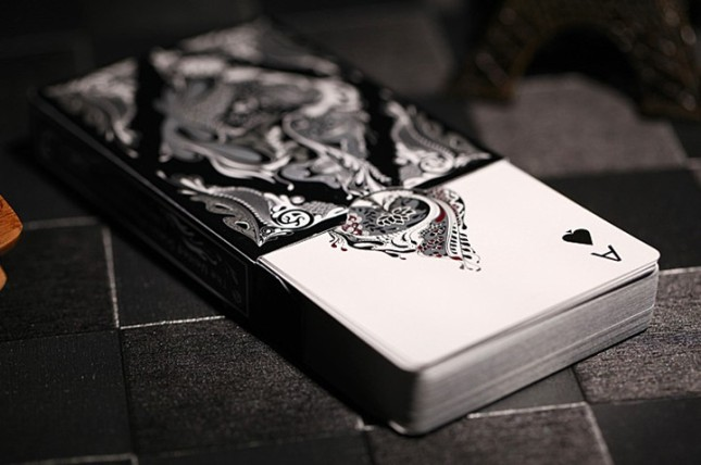 Aloys_Studio_Floral_Playing_Cards_Black_Edition