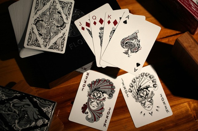 Aloys_Studio_Floral_Playing_Cards_Black_Edition_2