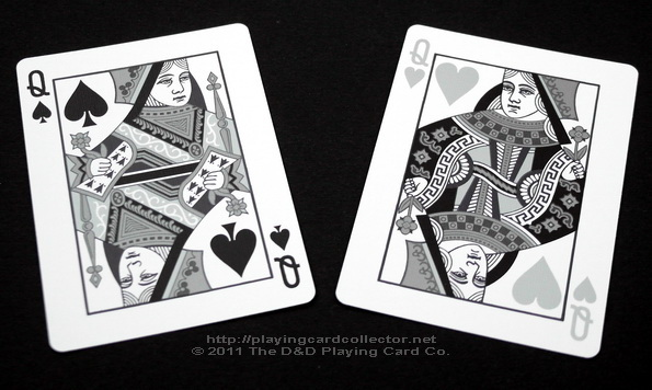 Fantastique-Playing-Cards-Queen-of-Spades-Queen-of-Hearts