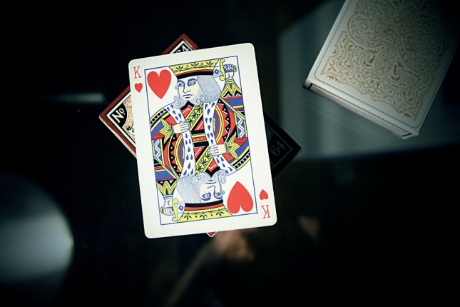 Global_Titans_Playing_Cards_King_of_Hearts