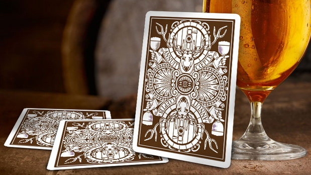 Bicycle_Amber_Stag_Playing_Cards_back