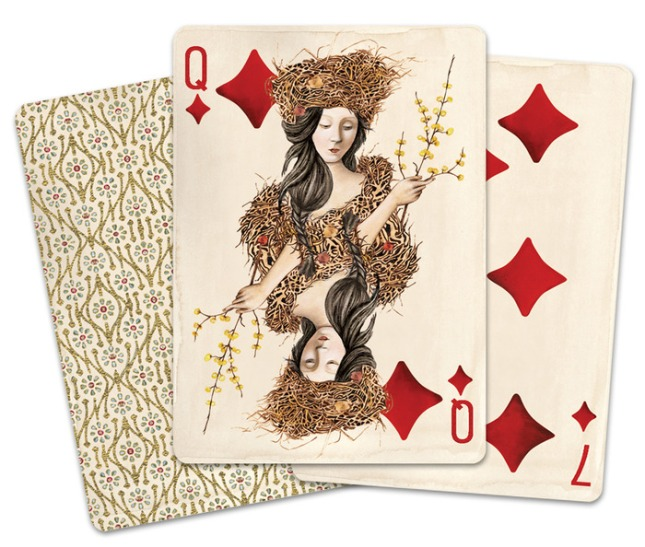Pagan_Playing_Cards_Queen_of_Diamonds