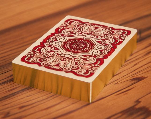 Uusi-Classic-Red-Gilded